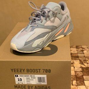 Yeezy 700 Intertia
